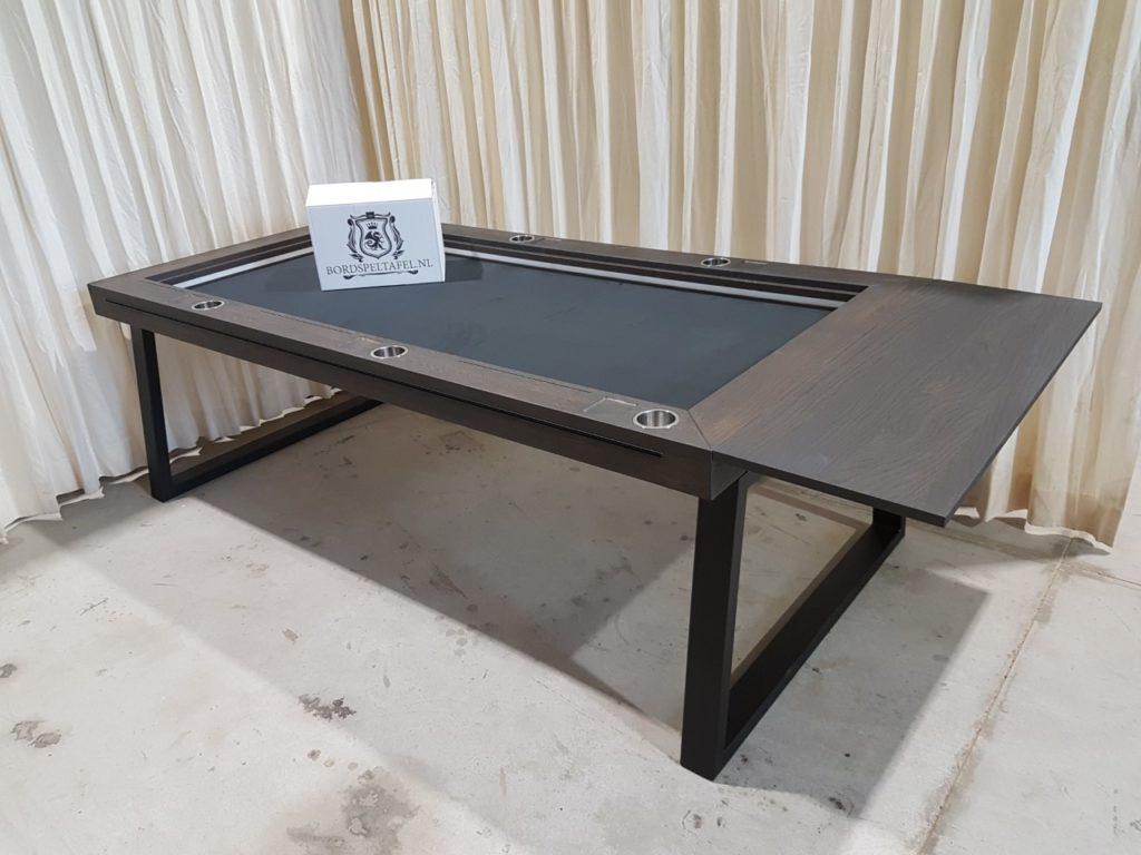 Charcoal bordspeltafel